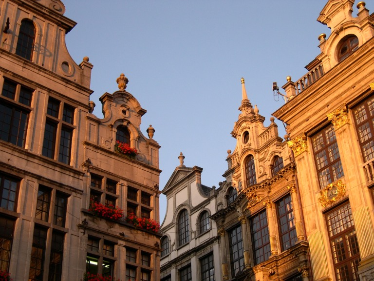 sunset-in-brussels-1560016