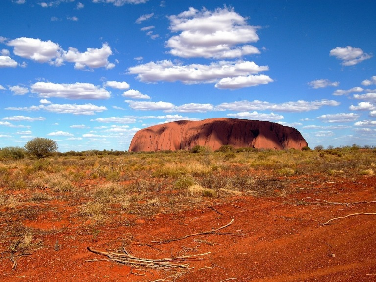 ayers-rock-587828_1920