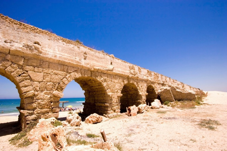 caesarea-aqueducts